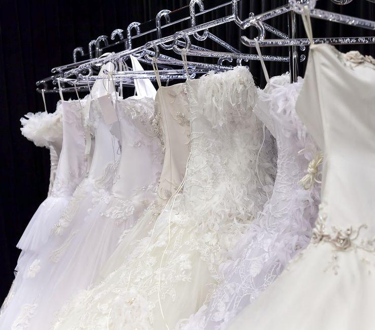 Ausgezeichnet Reinigung Für Brautkleider Bilder - Hochzeitskleid ...